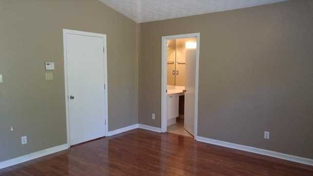6674 Wildwood Court - Photo 11