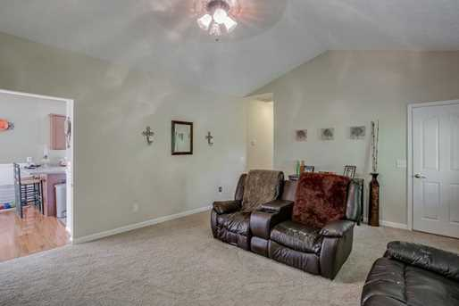 5438 Speckled Wood Lane - Photo 9