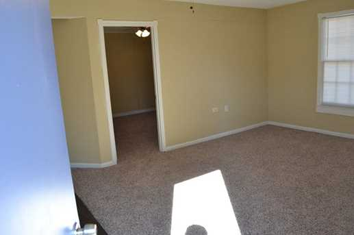 5792 Riverside Drive - Photo 3