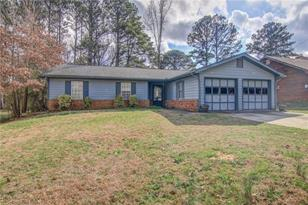 1621 Cherry Hill Road SW - Photo 1
