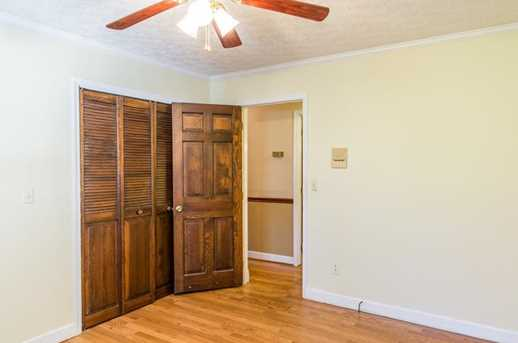 5660 Holiday Circle - Photo 17