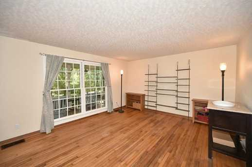 3935 Lee Road - Photo 9