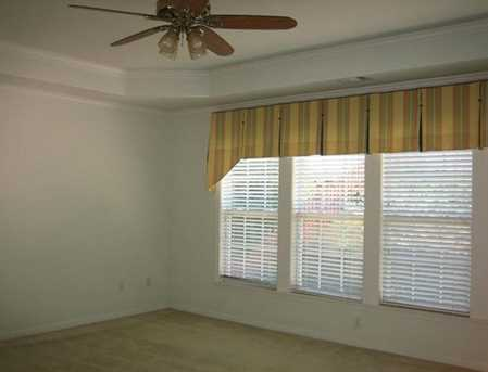 210 Henley Place - Photo 15