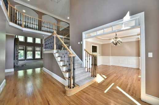 560 Guildhall Place - Photo 3