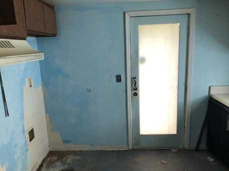 3885 Feldwood Place - Photo 5