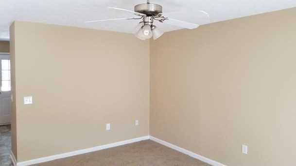 656 Twin Oaks Lane - Photo 7