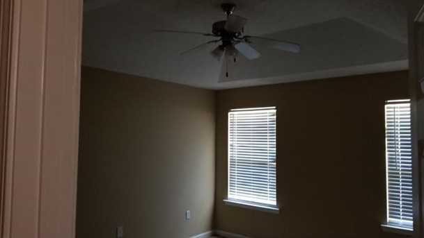 656 Twin Oaks Lane - Photo 11