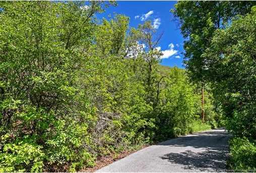 6585 E Quarter Mile Road - Photo 5