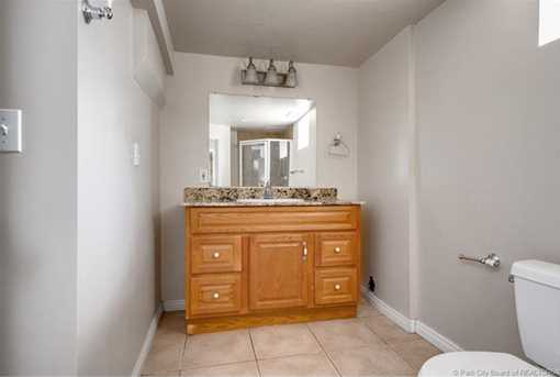1438 E Woodland Avenue - Photo 13