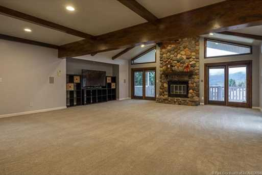 1075 N Valley Drive - Photo 3