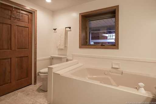 1075 N Valley Drive - Photo 41