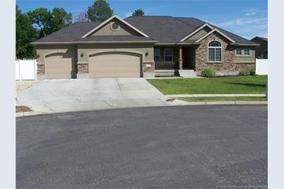 1170 E Millers Court - Photo 1