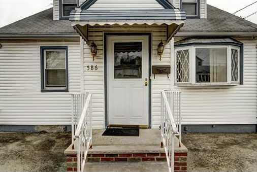 586 Mereline Avenue - Photo 5