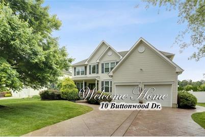 10 Buttonwood Drive - Photo 1
