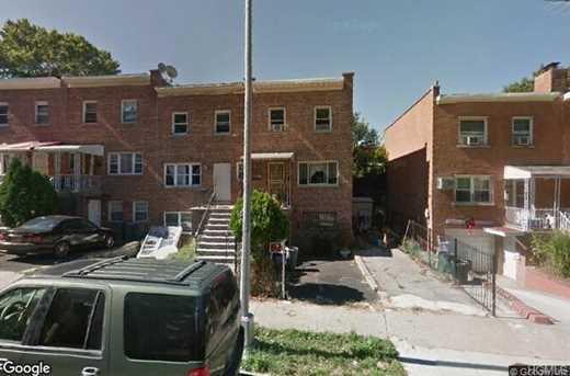 3035 Yates Avenue - Photo 1