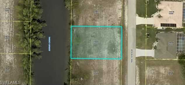 702 NW 39th Ave - Photo 1