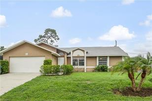 443 SW 19th Ter - Photo 1