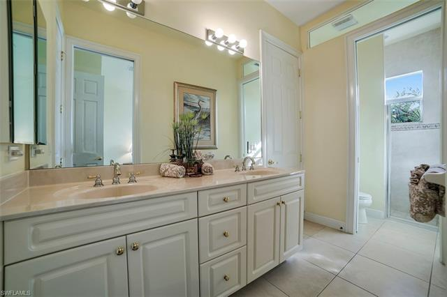 ... 2538 SW 40th Ter   Photo 17 ...