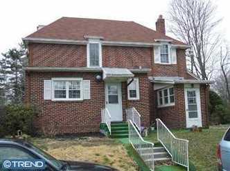 1063 E Park Ave - Photo 2