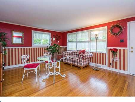 2738 Rossiter Ave - Photo 4