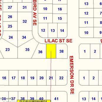 836 SE Lilac Street - Photo 1