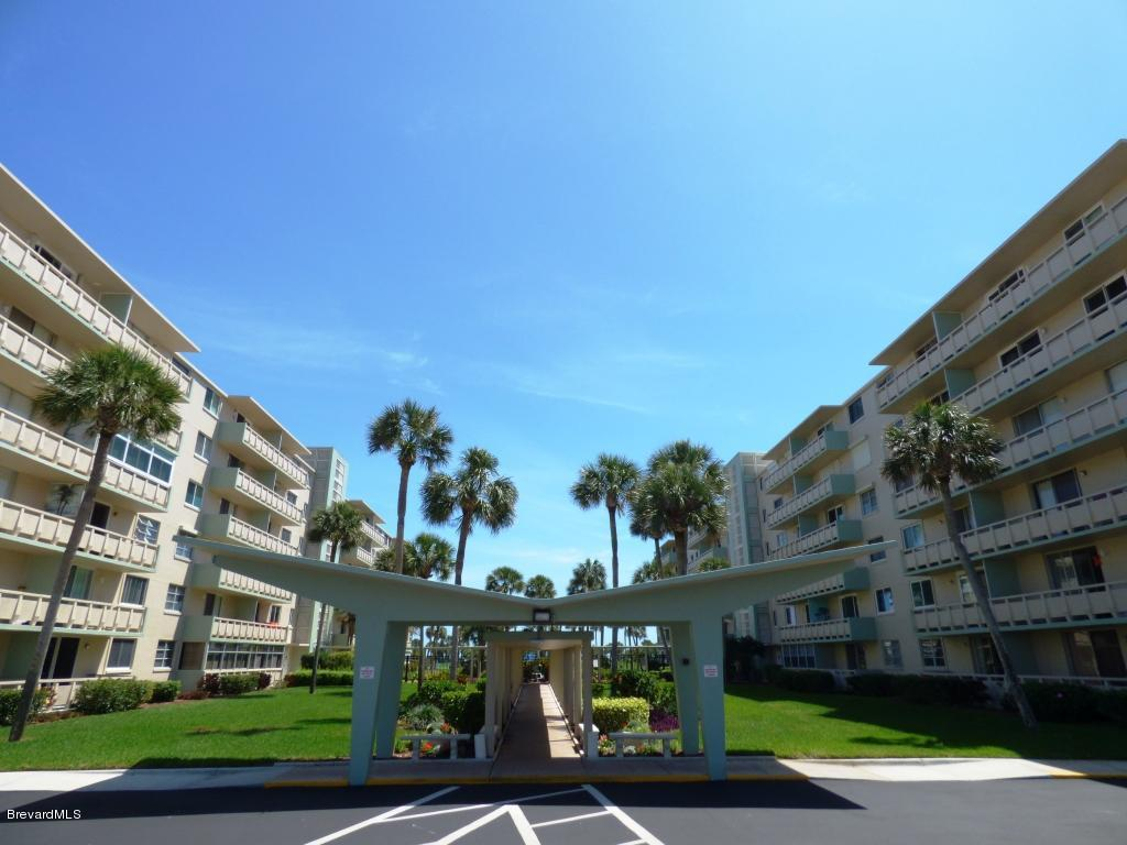 2020 N Atlantic Ave Unit 101 Cocoa Beach Fl 32931 Mls 751792 Twin Towers