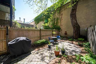 816 Willow Ave #1R - Photo 1