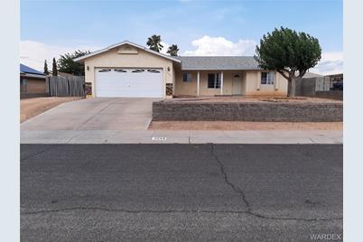 3224 N Apache Street - Photo 1