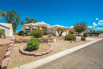 2137 E Desert Lakes Drive - Photo 1