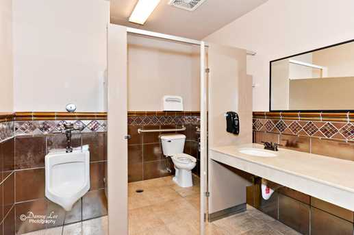162 N 400 E      Suite 201 - Photo 10