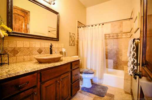 1348 W Sandcrest Cir - Photo 33