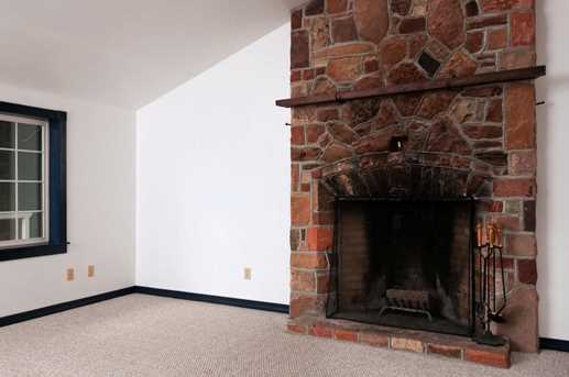274 W Main St - Photo 11