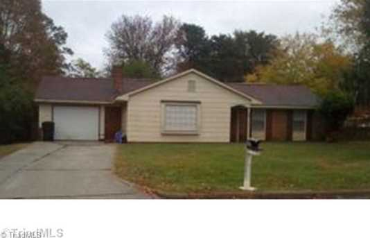 205 Woodhaven Dr - Photo 1
