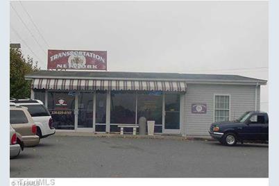 910 E Dixie Drive - Photo 1