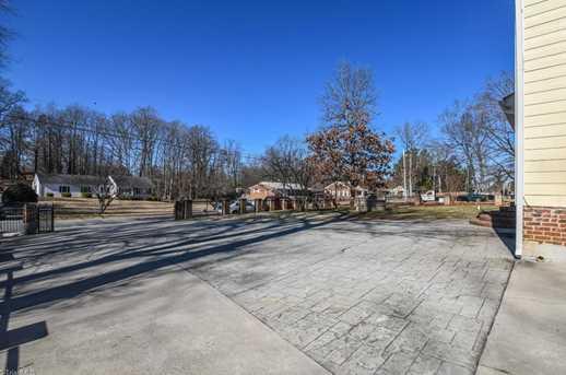 185 Spring Garden Circle - Photo 19