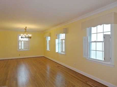 147 N Peace Haven Road - Photo 3