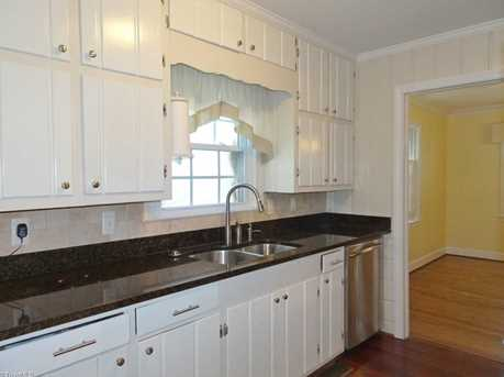147 N Peace Haven Road - Photo 7