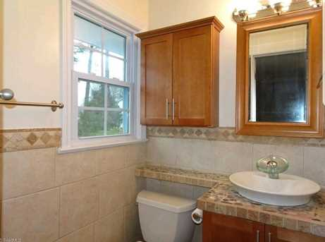 147 N Peace Haven Road - Photo 11