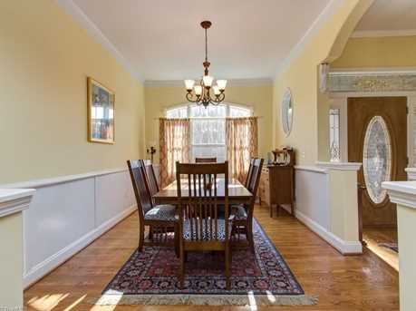 153 Glenoak Drive - Photo 3