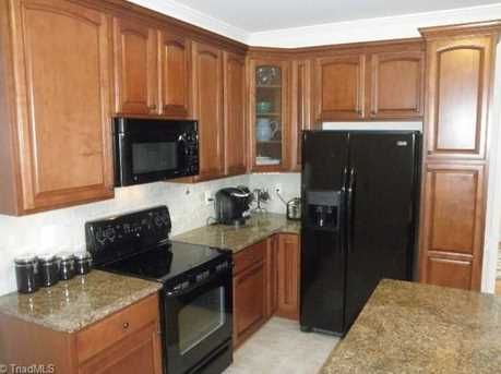 1068 Meadowlands Drive - Photo 9