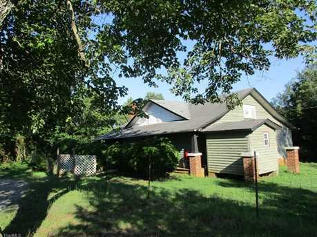 2629 Lone Hickory Rd - Photo 1