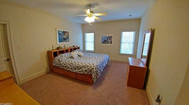 7313 Henson Forest Dr - Photo 9