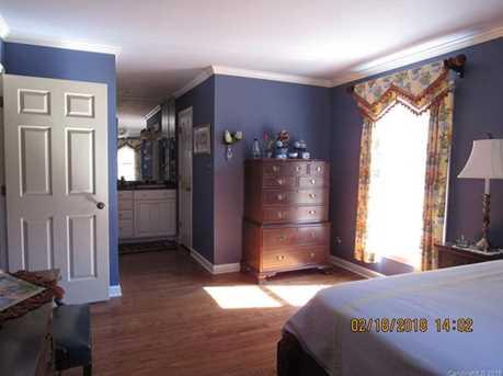 581 Briarwood Drive - Photo 9