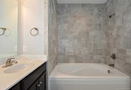 13728 Cinnabar Place #D5 - Photo 17