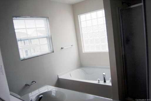 8605 Redding Glen Avenue - Photo 8