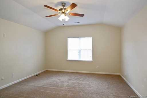 10813 Chamberlain Hall Court - Photo 9