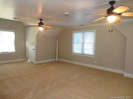 9033 Pennyhill Drive - Photo 21