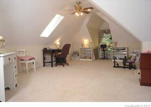 215 Ferncliff Drive - Photo 16