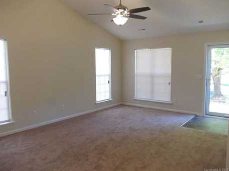 103 Coventry Drive - Photo 3