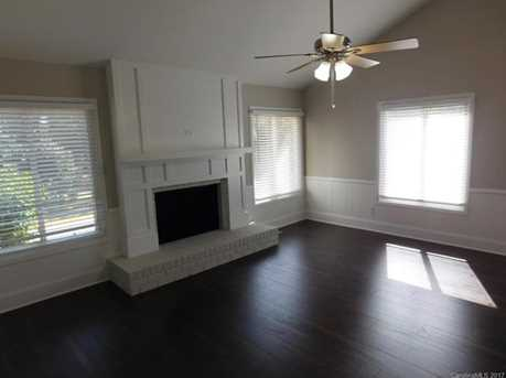648 Charter Place - Photo 3